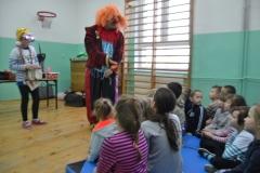 Clown Walduś odwiedził naszą szkołę