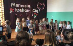 Więcej o: Dzień Mamy w przedszkolu