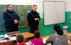 """Więcej o: Spotkanie z policjantem – pod hasłem """"Bezpieczne ferie zimowe"""""""